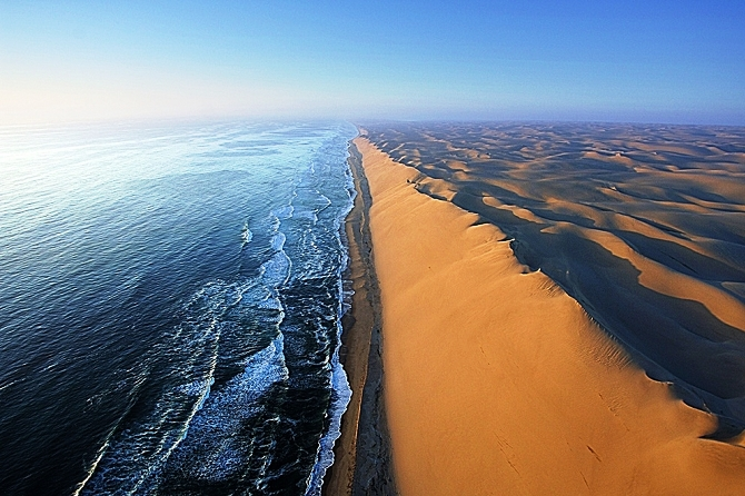 Namibia from a Bird Eyes View 8 Day Tour